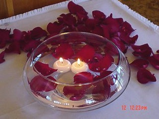 Candele Galleggianti: Centerpiece, Rose Cafe, Candles Rose, Candel Night, Candel Candles, Centerpieces, Candles Ideas, Candel Galleggianti, Bowls