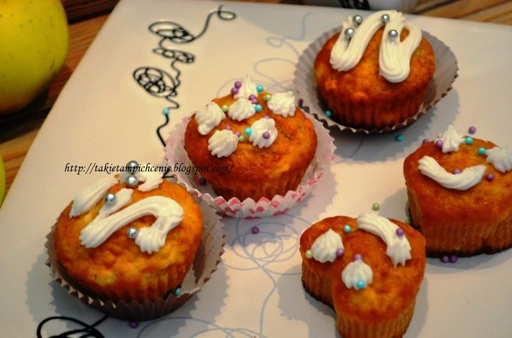 Smak, zapach, kolor, tradycja z nutką nowoczesności...: Muffiny o smaku pieczonych jabłek - mini szarlotki...