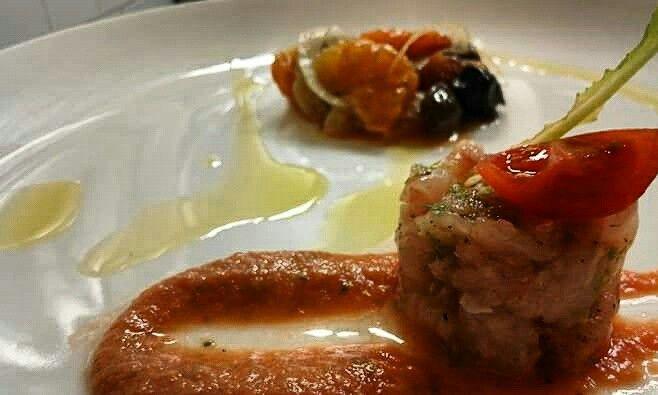 Tartare di ricciola con finocchi,olive e arancia gourmet...una delizia!
