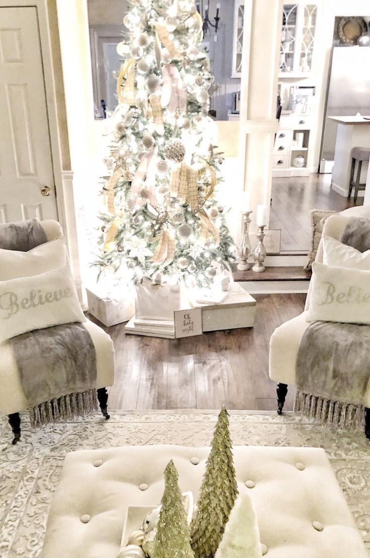 30 Free Best Ways To Decorate The Living Room For Christmas