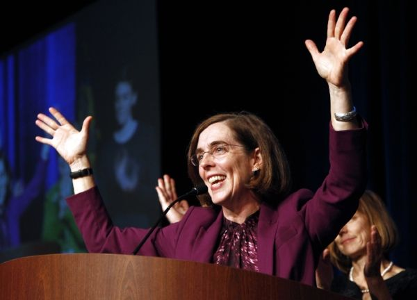 So proud & excited that the first LGBT person to be elected governor of a U.S. state is a #bisexual woman. Congratulations Governor Kate Brown! #bipride