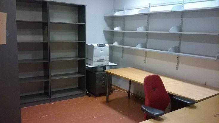 Työhuone tyhjää täynnä. Töitä on tehty.