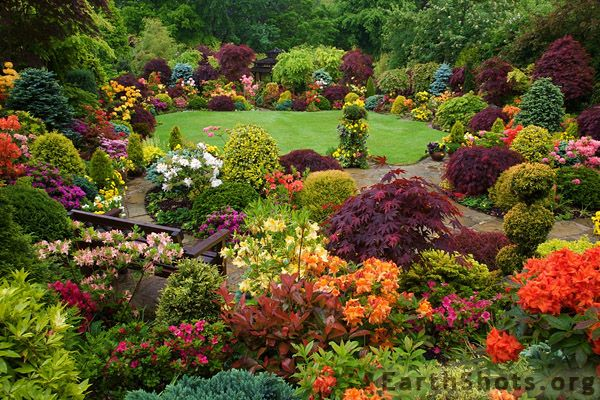 16 best images about garden borders on pinterest gardens peter 10 beautiful flower gardens most beautiful gardens mightylinksfo