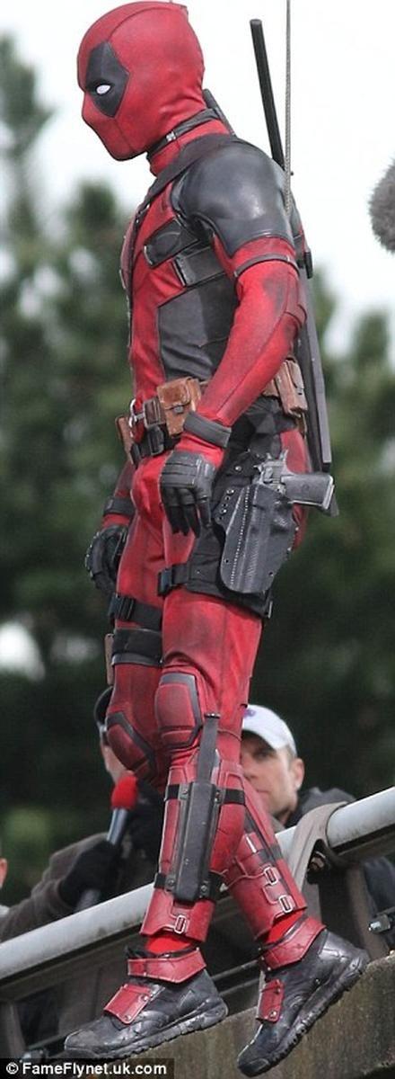 Deadpool dá as caras em nova imagem do filme! - Legião dos Heróis