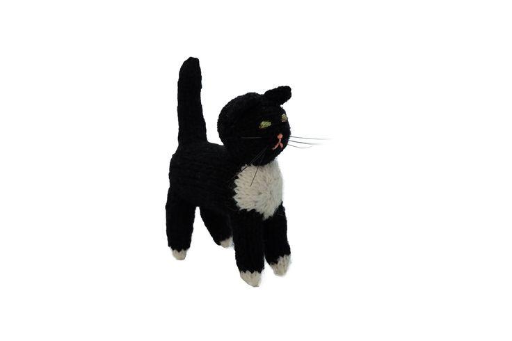 猫のあみぐるみ11   ihanaa−北欧とバルト三国の毛糸と 雑貨のセレクトショップ