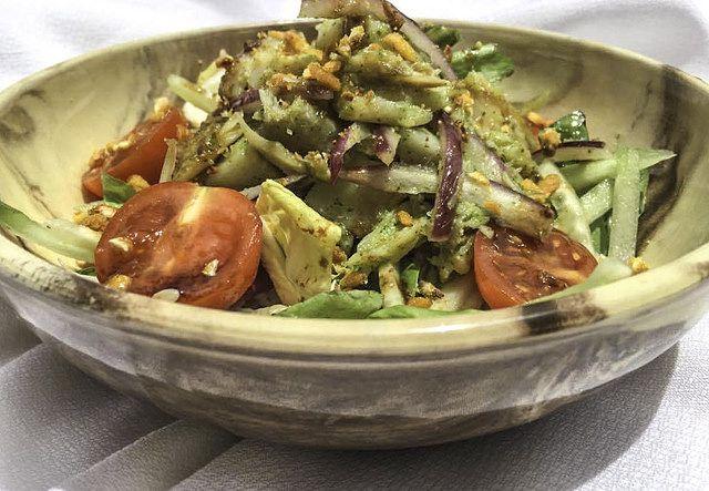 El Recetario de Mari: Ensalada de pescado salado con vinagreta de miel d...