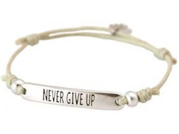 Armband - Gravur - NEVER GIVE UP - Silber - Nude