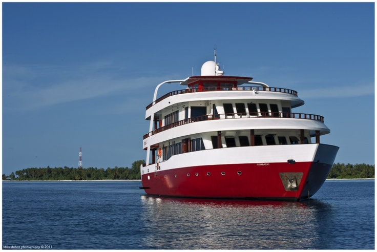 Theia, cruise Maldives , live aboard