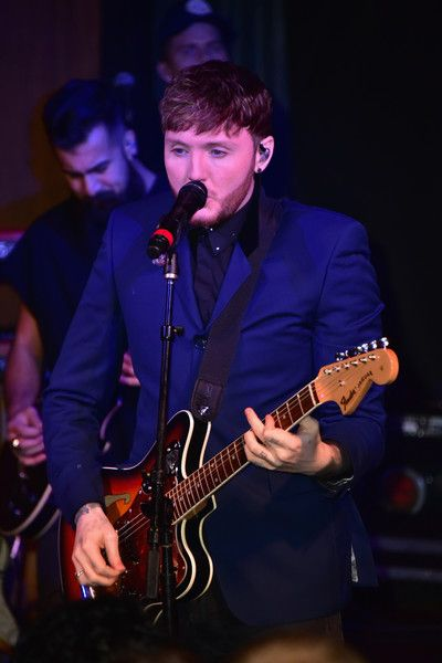 James Arthur Photos - Singer-songwriter James Arthur performs at the James Arthur Pepsi Sound Drop performance at Haus on December 6, 2017 in New York City. - James Arthur Pepsi Sound Drop Performance at Haus (NYC)