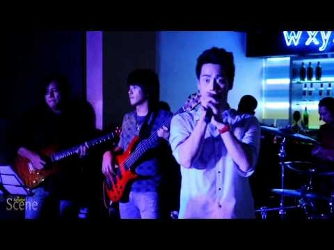 Aof Pongsak sings If I Ain't Got You at Aloft Hotel in Bangkok. Movie by Paul Hutton, Bangkok Scene.