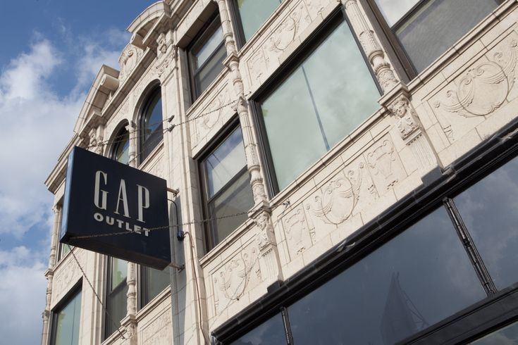 If you need to stock up on wardrobe basics, there are few better places to do so than Logan Square's Gap outlet.