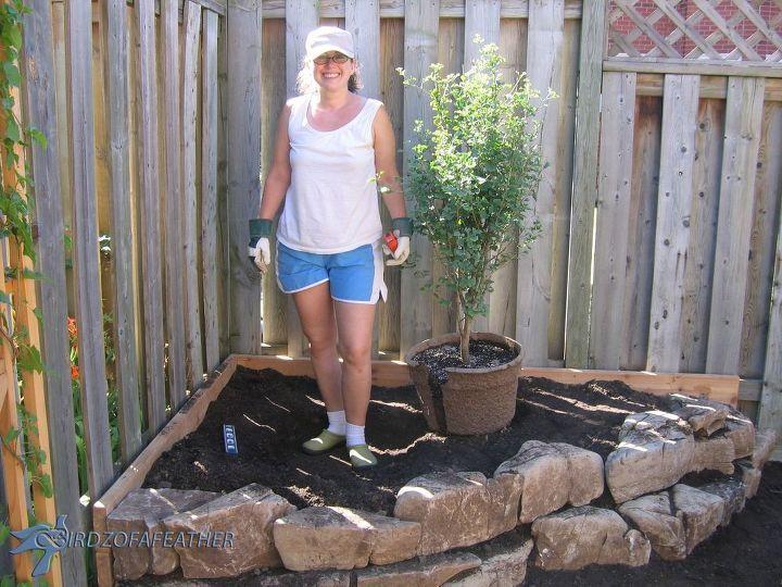 How to Landscape DIY Low Maintenance Gardening: Dry Creek ...
