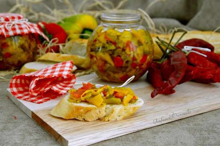 Peperoni tagliati sott'olio (pric o pràc)