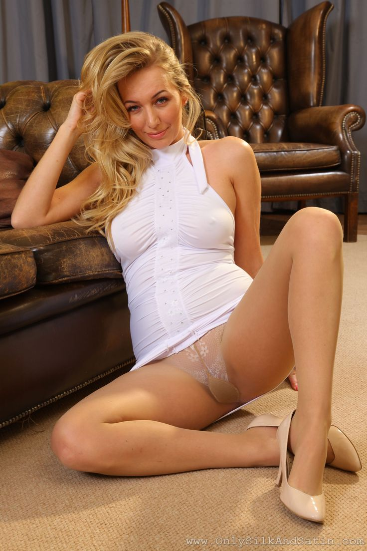 Mature pantyhose legs spread