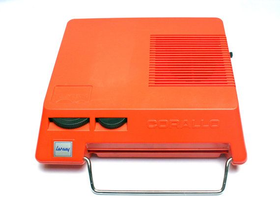 FeelingOfDejaVu sur Etsy - Mange disque LANSAY CORALLO . Plastique orange . Tourne disque portable . Italie . Vintage Années 70