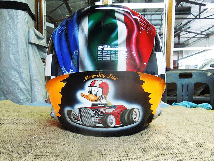 Custom airbrushed helmet painted by PAZ.