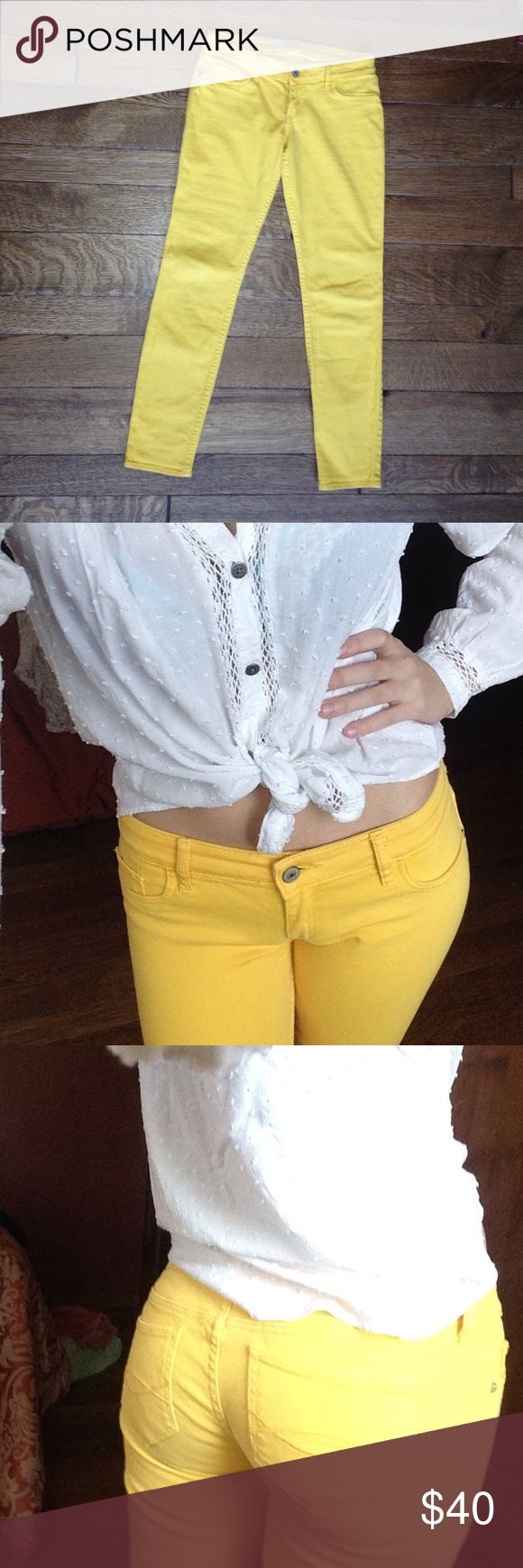Yellow skinny jeans Low rise jeans. Not jeggings, stretch is minimal. Love them but they're too big since I lost weight, give them a good home! Abercrombie & Fitch Jeans Skinny
