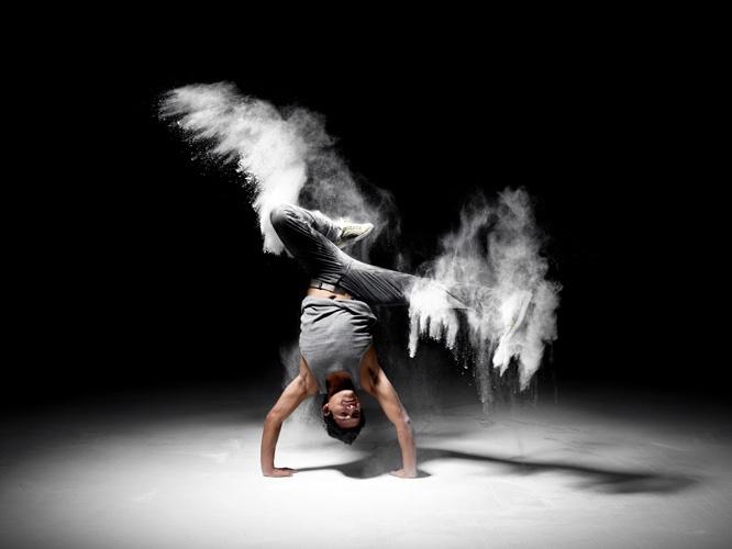 Dust - Darden Studio - http://www.dardenstudio.it