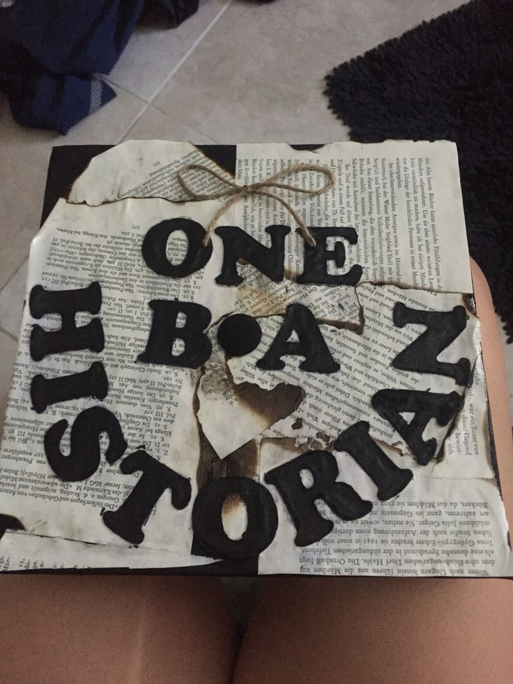 Graduation cap for a History Major