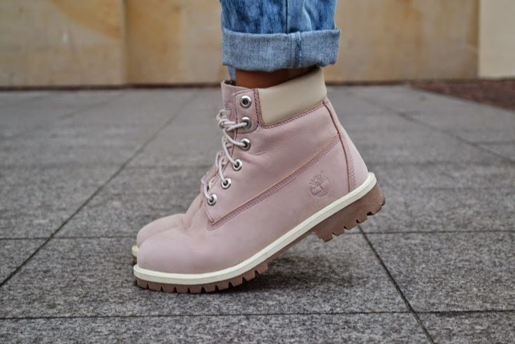 About What Women Love: Pink Timberland