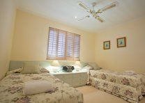 Noosa Quays - Two Single Beds - Noosa Sound Apartments