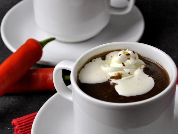 Rozgrzewająca czekolada z chili i cynamonem - medium