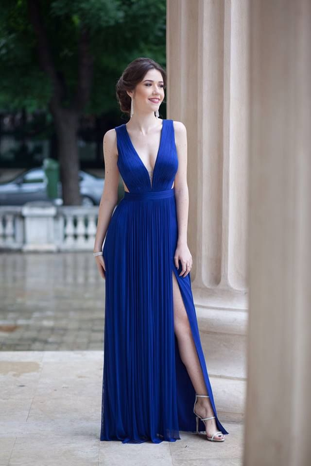 CRISTALLINI #EveninglDress #StoneDress #Silk #WomensFashion #Style #Inspiration #Fashion #Glamour #Elegance #StyleInspiration