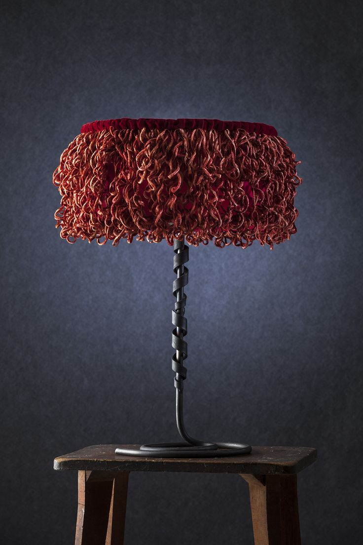 Scapigliata - Lampada da tavolo con diffusore in velluto e seta, base in ferro verniciato.     Scapigliata - Table lamp with lampshade made of velvet and silk, painted iron base. #lamp #fabric #abatjour #art #interiordesign #furniture