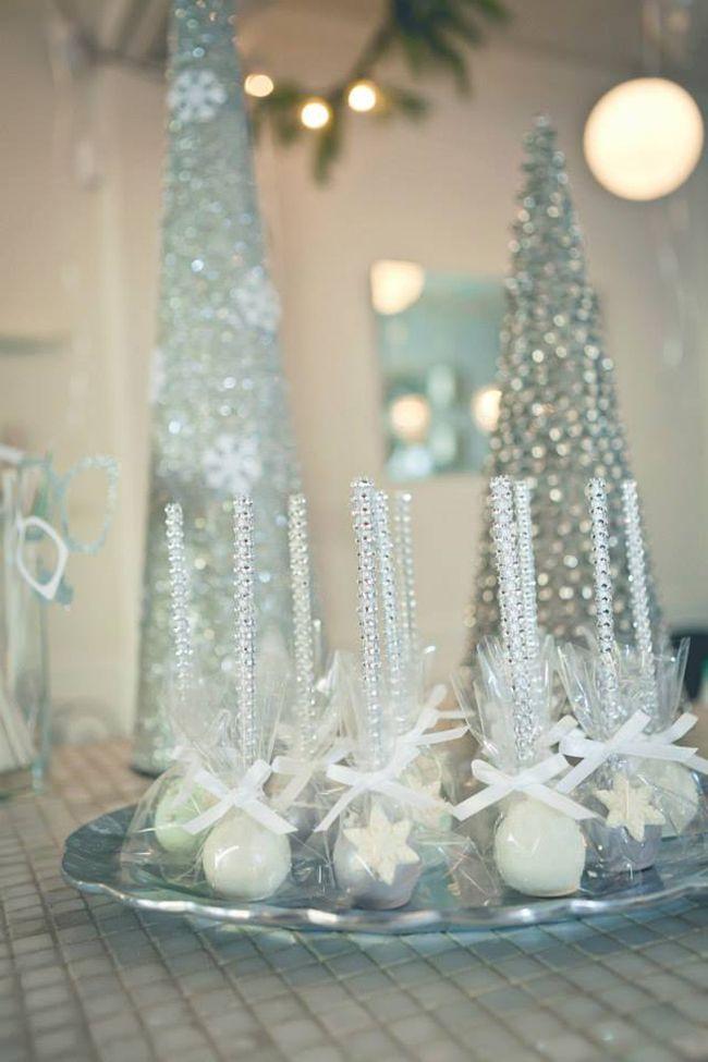 Christmas Wedding Cake Decorations
