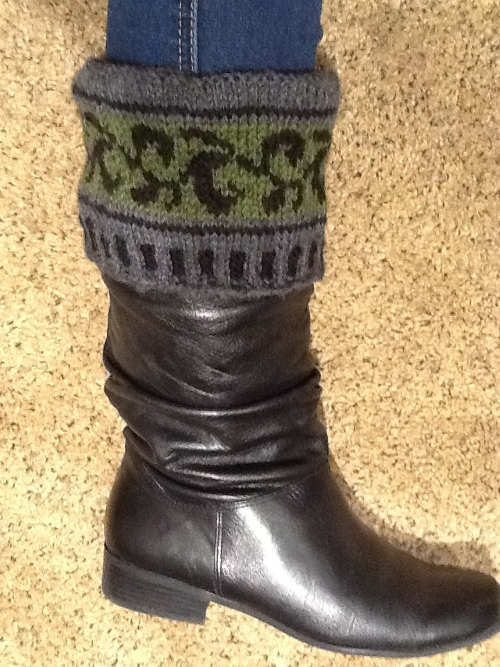 73 best Knitting/Boot Cuffs images on Pinterest | Knitted boot cuffs ...