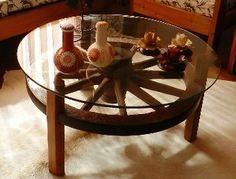Resultado de imagem para mesa com roda de carroça