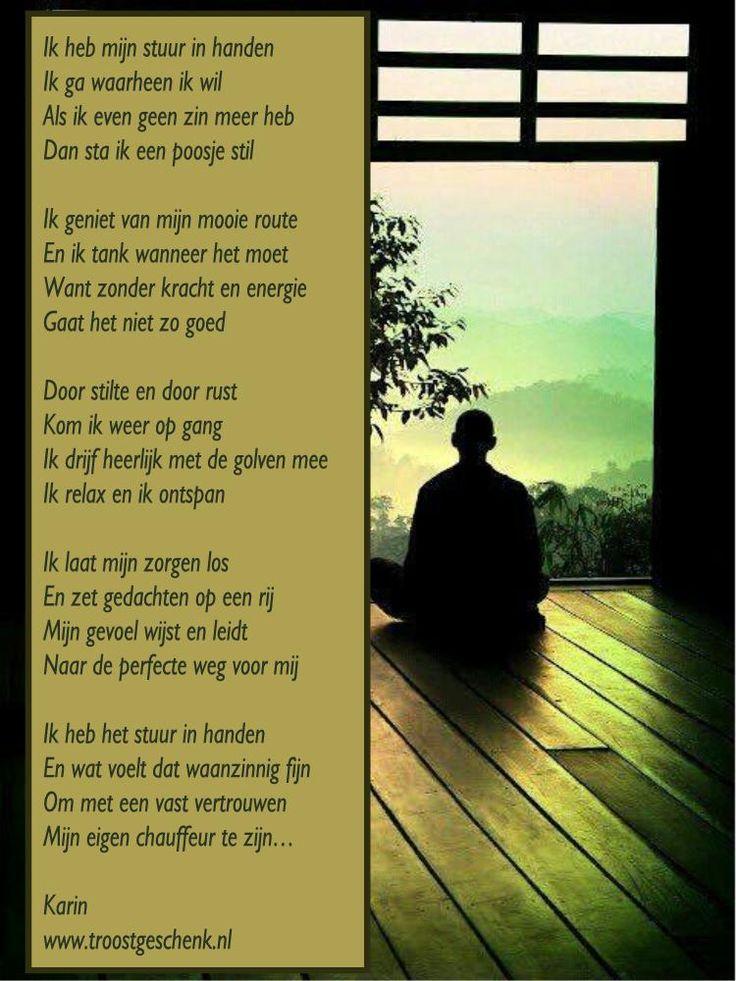 www.troostgeschenk.nl Ik heb mijn eigen stuur in handen genomen en sta stil wanneer ik dat nodig heb. Ik luister naar mezelf en neem de tijd om rust te vinden en bij te tanken. Je kunt je laten meeslepen met de drukte van de maatschappij, maar je kunt er ook voor kiezen om dicht bij jezelf te blijven.