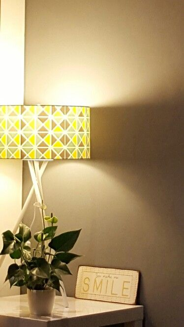 """La lampe maison du monde et la plaque """"You make me SMILE"""" de www.lafinesse.eu marque danoise..."""
