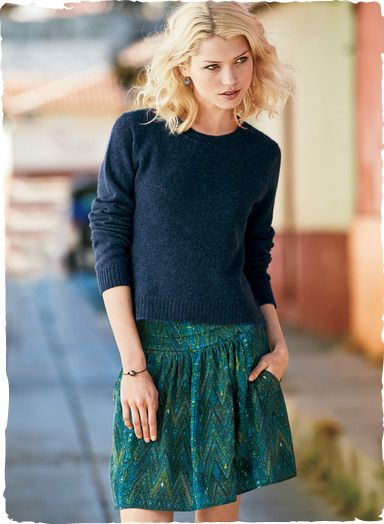 Motifs from a Guatemalan huipil in brilliant peacock hues traverse our cropped silk crêpe de chine skirt. Styled with side pockets and a flattering pleated waist yoke that gives way to graceful volume. Fully lined.