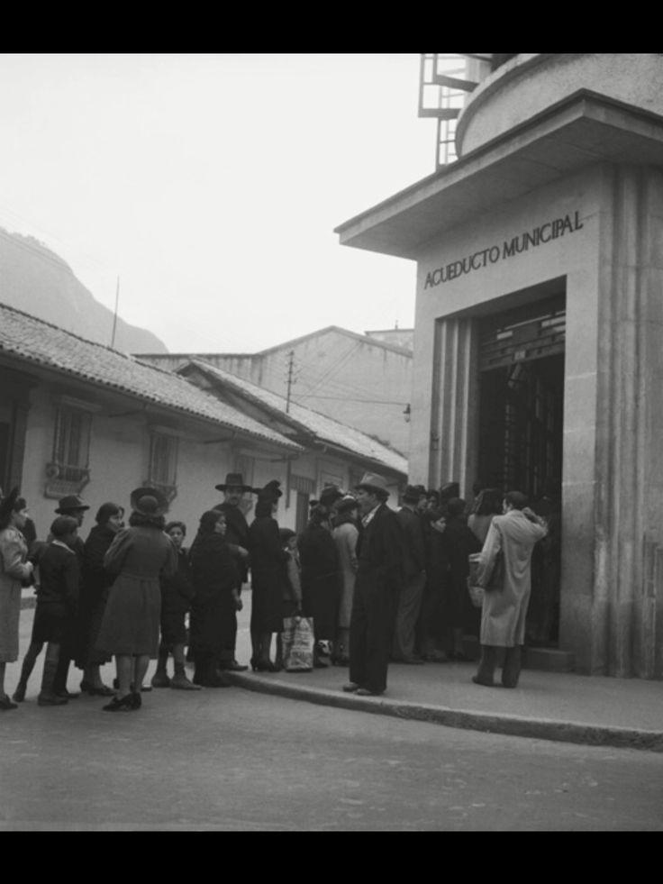 236 best images about bogot fotos antiguas on pinterest for Oficinas santander granada