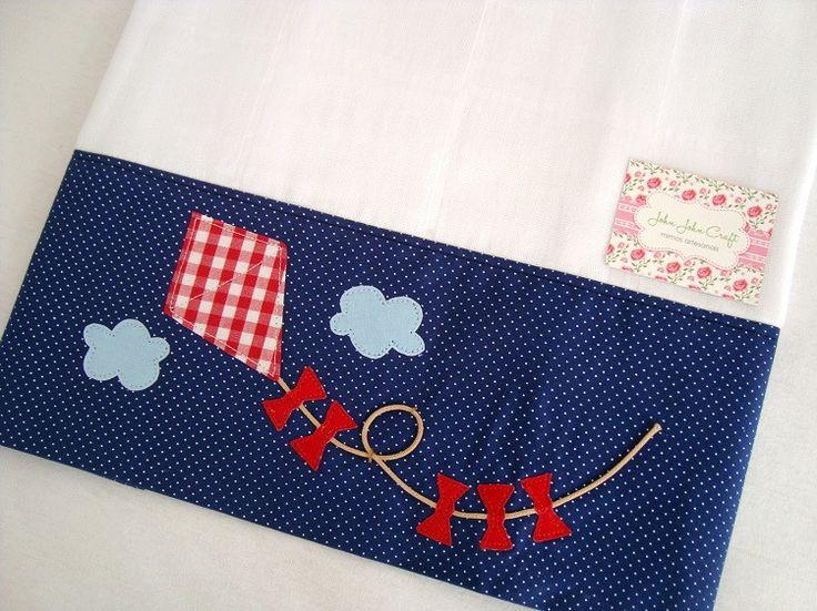 Fralda de Ombro - Pipa é confeccionada em fralda de ótima qualidade, dupla, barrado em tricoline (100% algodão) e com aplicação do tema Pipa.  Ideal para proteger a pele delicada do seu bebê na hora da amamentação.