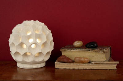 """Lampada sfera riccio - """"Le Meraviglie della Pietra"""" - Castrignano dei Greci (Lecce) http://www.lemeravigliedellapietra.com/lampadatredici.htm"""