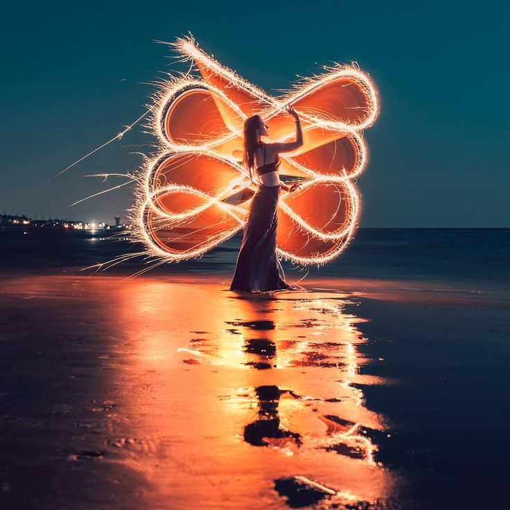 Stunning Light Painting Portrait Photography by Zach Alan #art #photography #Light Photography