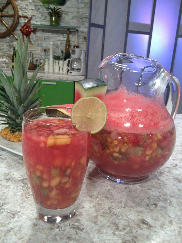 sangria de sandia chef edgardo noel ingredientes 3tz. Black Bedroom Furniture Sets. Home Design Ideas