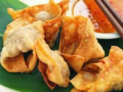 Siomay Goreng - Disini ada aneka cara membuat video resep siomay goreng udang kering isi sayur ayam mayo ncc tanpa ikan tenggiri yang paling enak kenyal serta sederhana.