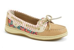 Travel Footwear for Tall Ladies: Boat Shoes and Ballet Flats - Tall Clothing Mall
