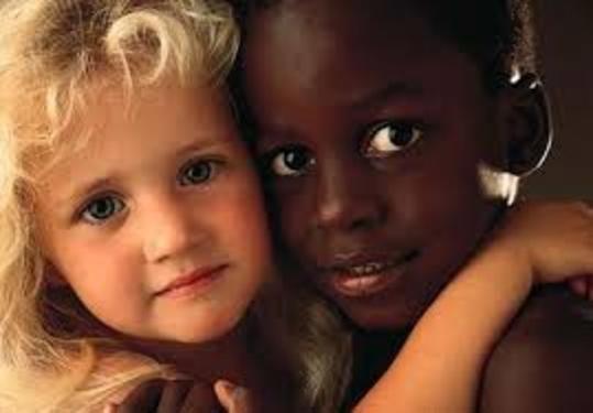 Δωρεάν όλο το εκπαιδευτικό υλικό για το ρατσισμό και τη διαφορετικότητα ΕΔΩ!