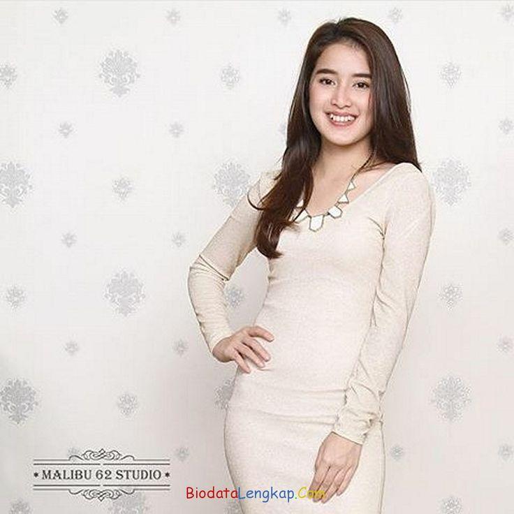 Rosiana Dewi