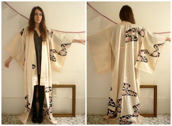 https://www.etsy.com/dk-en/listing/221235879/1950s-1960s-antique-silk-japanese