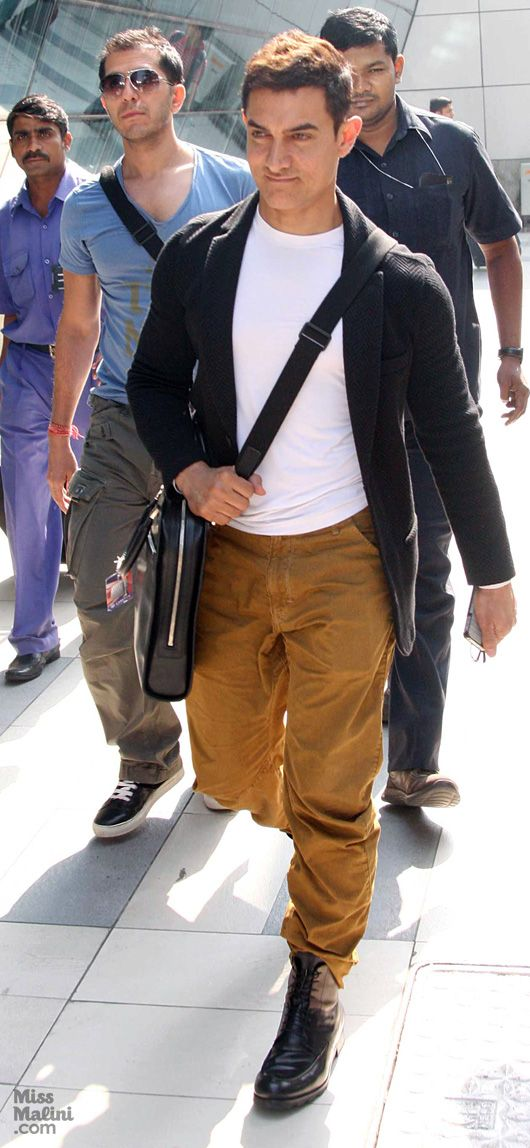 Aamir Khan, Airport Watch. Hello Cuteness!