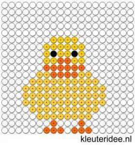 Kralenplank eend, kleuteridee.nl  ,free printable  Beads patterns preschool.