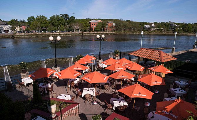 Looking to enjoy dining with a view of the gorgeous fall foliage? These local restaurants offer delicious menu options and excellent scenic views.   http://www.ilovefc.com/Food-and-Drink-2016/Dining-with-a-View/