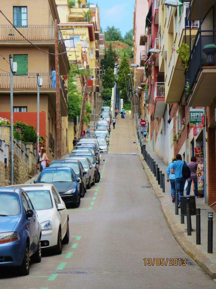 The long walk to park gueii, Barcelona