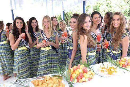 Les candidates à Miss France 2015 pendant leur voyage à Punta cana. Elles portent la tunique bendita en imprimé Ipanema en exclusivité.