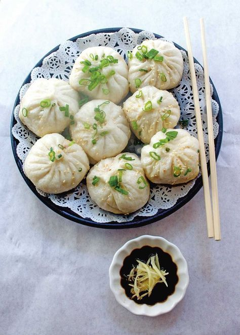 Filled with pork, mushrooms and ginger, this Baozi or stuffed pork bun recipe is a really authentic Chinese pork bun recipe. Read more